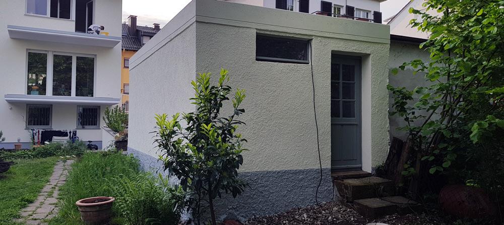 Fassade – Garage nach der Sanierung